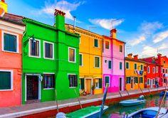 カラフルな家並みはおもちゃの家みたい!ベネチアに浮かぶ陽気な漁師町「ブラーノ島」めぐり - Find Travel