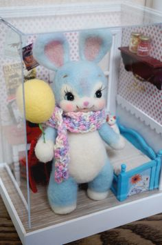 I am sooo in love with this handmade wool felt bunny and diorama. I think Ribonetta made it, but I'm not sure. Her creations are awesome: http://ribonetta.blog133.fc2.com