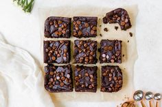 These Black Bean Avocado Brownies are gluten free, super fudgy and you cant even. These Black Bean Avocado Brownies are gluten free, super fudgy and you cant even tell they are made Easy Chocolate Desserts, Healthy Chocolate, Easy Desserts, Dessert Recipes, Health Desserts, Avocado Brownies, Healthy Brownies, Food Processor Uses, Food Processor Recipes