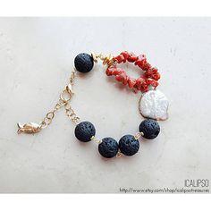 Black lava stone bracelet for women, coral bracelet for her, beach jewelry, gift for girlfriend, boh Summer Jewelry, Beach Jewelry, Boho Jewelry, Jewelry Sets, Handmade Jewelry, Women Jewelry, Jewelry Making, Black Bracelets, Beaded Bracelets