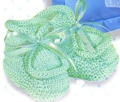 Knitting Stiches, Free Knitting, Baby Knitting, Knit Baby Booties, Baby Boots, Baby Shoes Pattern, Knitting Patterns, Slippers, Kids