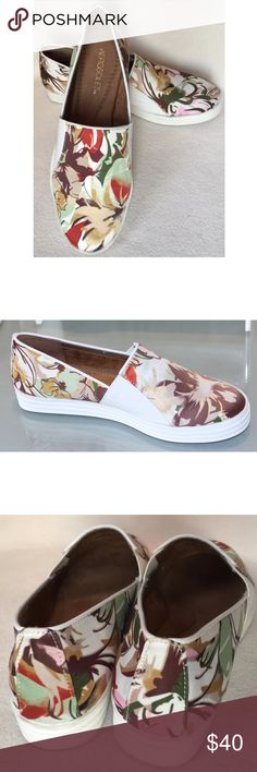 Floral Canvas Slip On Espadrilles Slip into These shoe to boast a sophisticated look to your attire. Made of printed textile upper, it showcases piping trim design for an appealing look. Its lining and dual elastic side panels lend incredible comfort. With its memory foam insole and scored rubber sidewall, it provides ease to the foot with every step. Sueded sock insole. Diamond pattern sole. Floral. AEROSOLES Shoes Espadrilles
