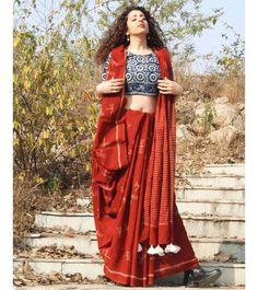 Latest Collection of Saree & Blouse Designs in the photo gallery. Saree & Blouse styles from India's Top Online 🛒Shopping Sites. Sari Bluse, Lehenga, Anarkali, Moda Indiana, Block Print Saree, Saree Photoshoot, Indian Photoshoot, Drape Sarees, Modern Saree