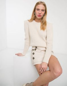 Buy & Other Stories statement shoulder ribbed jumper in off-white at ASOS. With free delivery and return options (Ts&Cs apply), online shopping has never been so easy. Get the latest trends with ASOS now. Off White Shop, Asos, Polka Dot Mini Dresses, Square Neck Top, Flare Leg Jeans, Oversized Blazer, Ribbed Sweater, White Style, Pulls