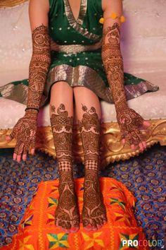 Mehandi - The Mehandi Ceremony! Engagement Mehndi Designs, Latest Bridal Mehndi Designs, Wedding Mehndi Designs, Unique Mehndi Designs, Mehndi Design Images, Beautiful Mehndi Design, Wedding Henna, Rajasthani Mehndi Designs, Dulhan Mehndi Designs