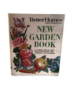 This is a VINTAGE Better Homes & Garden New Garden #Book, Fourth Printing 1971. The hardcover guide has sections and pages are contained with binder rings. It features full ... #etsysale #shopsmall #vintageshop #vintagelife #vintagelover #book