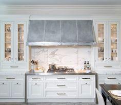 glass+front+cabinets+elegantyl+eclectic.jpg 500×434 pixels