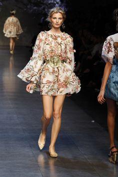 Dolce & Gabbana Woman Catwalk Photo Gallery – Fashion Show Summer 2014 - Flora chiffon chic!