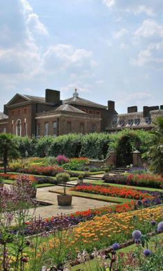 Kensington Palace Garden in London- eating at the Orangery
