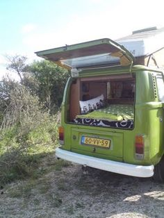 8-Days a week VWT2B camper My own vintage camper on 100% reisgids. You can rent it! Take a look at my blog.