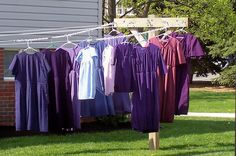 Amish Clothesline in Amish country of Ohio. How clever to use chain so the hangers don't slide along the line and the clothes stay evenly spaced.  Then straight to the closet. Brilliant!