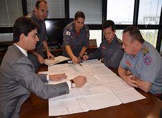 Cássio busca recursos para nova sede do CB http://www.passosmgonline.com/index.php/2014-01-22-23-07-47/geral/10122-cassio-busca-recursos-para-nova-sede-do-cb