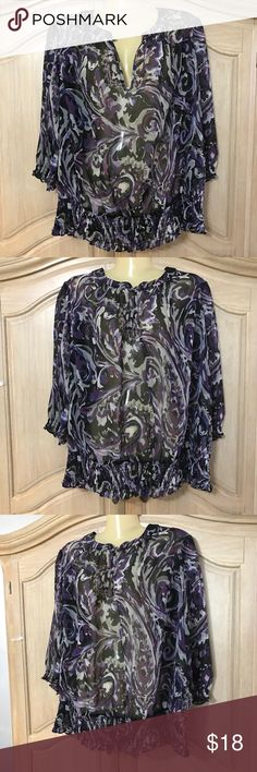Designer Ana blouse Blouse with short sleeves and round neckline with button on the collar with hole beautiful stamped size1 xl 100% polyester ana Tops Blouses