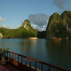 Ha Long Bay, Vietnam. UNESCO World Heritage Site © Lionel Lalaité