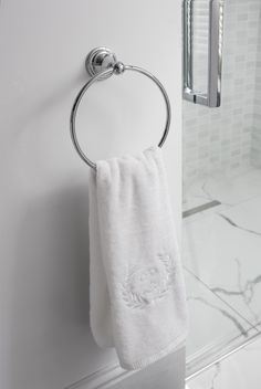 Luxury accessories to suit your bathroom - Belgravia towel ring from Crosswater Bathrooms UK. http://www.crosswater.co.uk/product/accessories-finishing-touches-browse-by-range-belgravia/belgravia-towel-ring-bl013c/