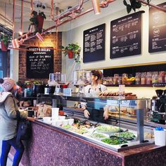 Roots & Bulb, London - restaurant with great choice of vegetarian / vegan… Healthy Restaurant Design, Café Restaurant, Restaurant Concept, Healthy Cafe, Vegan Cafe, Healthy Food, Salad Restaurants, Vegan Restaurants, Chicago Restaurants