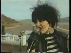 ▶ Siouxsie And The Banshees - Passenger (Iggy Pop cover) video - YouTube