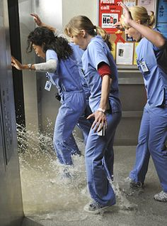 13) Seattle Grace floods. As if troubled sex lives didnt distract these docs from their daily cut-and-stitch duties enough, try operating on a patient when the ceiling collapses, flooding the O.R. — and an open body cavity. But hey, since they found the patients pancreatic cancer during the cleanup, he didnt sue!