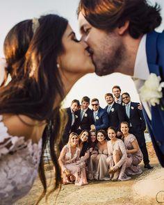 Beach Wedding Photos Detalhes deste vestido lindíssimo by ❤ . Wedding Picture Poses, Beach Wedding Photos, Wedding Poses, Wedding Photoshoot, Wedding Beach, Wedding Pictures, Marie's Wedding, Wedding Humor, Dream Wedding
