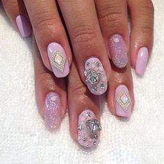 Diamonds are a girls best friend! Diamond Swarovski charms are...