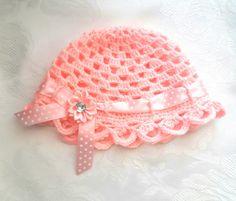 Urocza różowa czapeczka - Fantazja-handmade - Czapki dla dzieci
