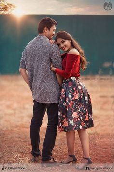 Photo Poses For Couples, Couple Picture Poses, Couple Photoshoot Poses, Photo Couple, Couple Portraits, Couple Shoot, Indian Wedding Couple Photography, Wedding Couple Photos, Wedding Photography Poses