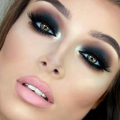 Smokey Eyes Makeup - What's more, I totally love to procure that. With regards to a mark cosmetics look, smokey eyes is my go to. Gorgeous Makeup, Pretty Makeup, Love Makeup, Makeup Inspo, Makeup Tips, Hair Makeup, Makeup Ideas, Makeup Tutorials, Amazing Makeup