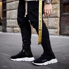 Wonderful Suggest That You By no means Knew About Trend Mens Fashion, Fashion Outfits, Fashion Shoes, Balenciaga Sneakers, Balenciaga Speed Trainer, Adidas Nmd, Huaraches, Air Max, Street Wear