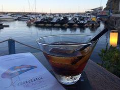 El restaurante PUERTO BLANCO está situado en un rincón encantador al borde del puerto deportivo con el mismo nombre en Calpe. Intentamos cada día emocionar a nuestros clientes con una gastronomía de autor, excelente servicio y ambiente relax !!! www.puertoblanco.eu #calpe #comerencalpe #costablanca #spain