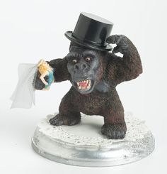 King-kong-wedding-cake-topper.full