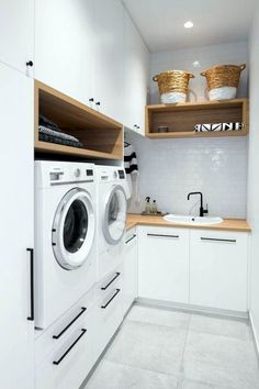 Who says that having a small laundry room is a bad thing? These smart small laundry room design ideas will prove them wrong. Laundry Room Makeover, Room Design, Laundry Mud Room, Room Makeover, Laundry In Bathroom, Room Layout, Laundry Room Layouts, Bathroom Design, Room Storage Diy