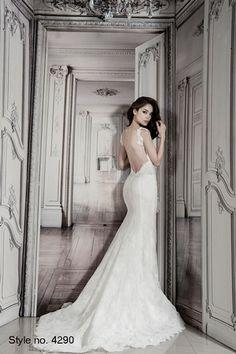 Bridal Gowns: Pnina Tornai Sheath Wedding Dress with Sweetheart Neckline and Natural Waist Waistline