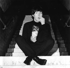 Beatle Paul McCartney snackin on some popcorn!