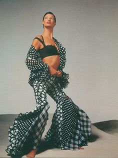 Linda Evangelista in Versace by Richard Avedon . 1993