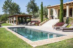 Ibiza property sales: 4-bedroom Santa Gertrudis villa by GHL - White Ibiza. Photography by Sofia Gomez Fonzo