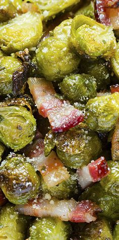 """Roasted Brussels Sprouts Quick, healthy and at the same time, a dish that will keep you """"full"""" for a long time?! If you think that this is an impossible combination, try Roasted Brussels Sprouts with bacon and parmesan."""