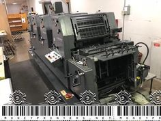 Do you want to buy a machine that prints money? Well this is how much they cost and where to buy them. Digital Printing Machine, Money Making Machine, Offset Printing, Budgeting Money, Best Budget, Printers, Make Money Online, Stuff To Buy, Digital Printer