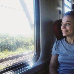 🚂🚃🚃🚃 #poslednydenvlakyzadarmo #dnesvlakujem #dnescestujem #cestounecestou #výlet #budufotky #travel #train #slovakgirl #insta_svk #slovakblogger #happy