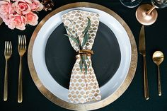 Trendy table setting  | Callie Hobbs Photography | see more on: http://burnettsboards.com/2015/01/glamorous-fun-wedding-inspiration/