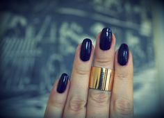 How to grow nails. Simple steps to grow and maintain long healthy nails.