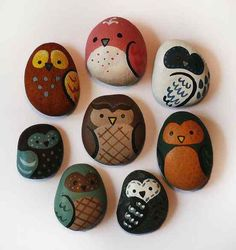 Painted Rocks: tips and inspiration! - Just Imagine - Daily Dose of Creativity MY GRAND DAUGHTER IS CRAZY ABOUT OWLS WE HAVE TO DO THIS CUTE!!!