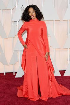 Don't worry, we thought it was a dress, too. Leave it to Solange to switch it up on 'em. #refinery29 http://www.refinery29.com/2016/01/101954/solange-street-style-pictures#slide-26