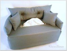 Graues Minisofa für Taschentuchbox von KleineSterne auf DaWanda.com