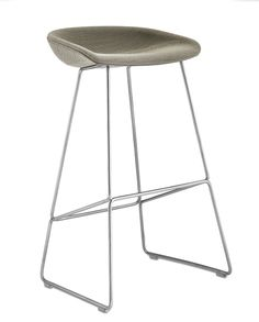CLIPPINGS: About A Stool AAS39 Remix 2 113, White Base, High by HAY