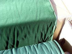 Baumwollsamt mit Goldkante, 4 m 150 cmbr., smaragdgrün(2300) in Möbel & Wohnen, Hobby & Künstlerbedarf, Stoffe | eBay