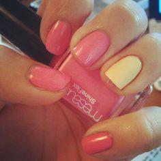 Manicure #nails #nailpolish #manicure #mani #mesauda #modelsown #hand #fashion #fashionable #instalife #instagram #pink » @marylucyit » Instagram Profile » Followgram
