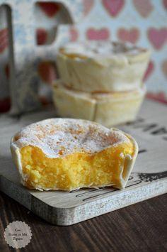 Suspiros de amantes / 2 huevos M. 100 gr de azúcar. 50 gramos de mantequilla. 8 quesitos. obleas (he usado las obleas de La Cocinera, el tamaño pequeño). azúcar glas