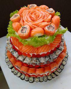 Um bolo de sushi / sushicake muito especial 🤗🔪😁 #sushicake #bolodesushi #sushi #sashimi #comidajaponesa #japanesefood #jonatanlopesushiman