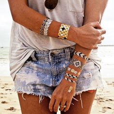 Flash tattoos are perfect for stepping up your summer fashion game. #flashtattoo #makeup