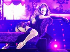 Jennifer Lopez – Performs Live at Singapore Grand Prix in Padang